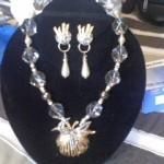 Vintage brooch with earrings